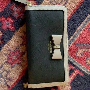 Black and Tan Kate Spade bow wallet